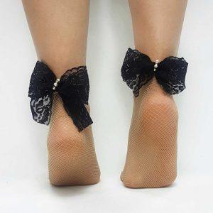 Κάλτσα μπεζ διχτυωτή με δανδελωτό φιογκο, στρας και περλες μ