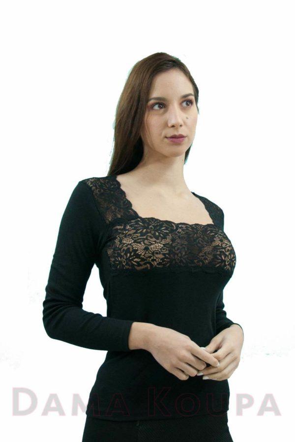 Γυναικεία μπλούζα με δαντέλα